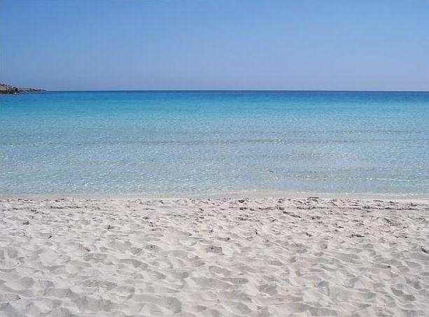 Белоснежный пляж в Межводном