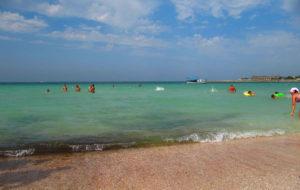Пляж в Черномоском