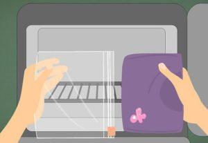 Замораживание - эффективное средство для удаление жвачки с одежды