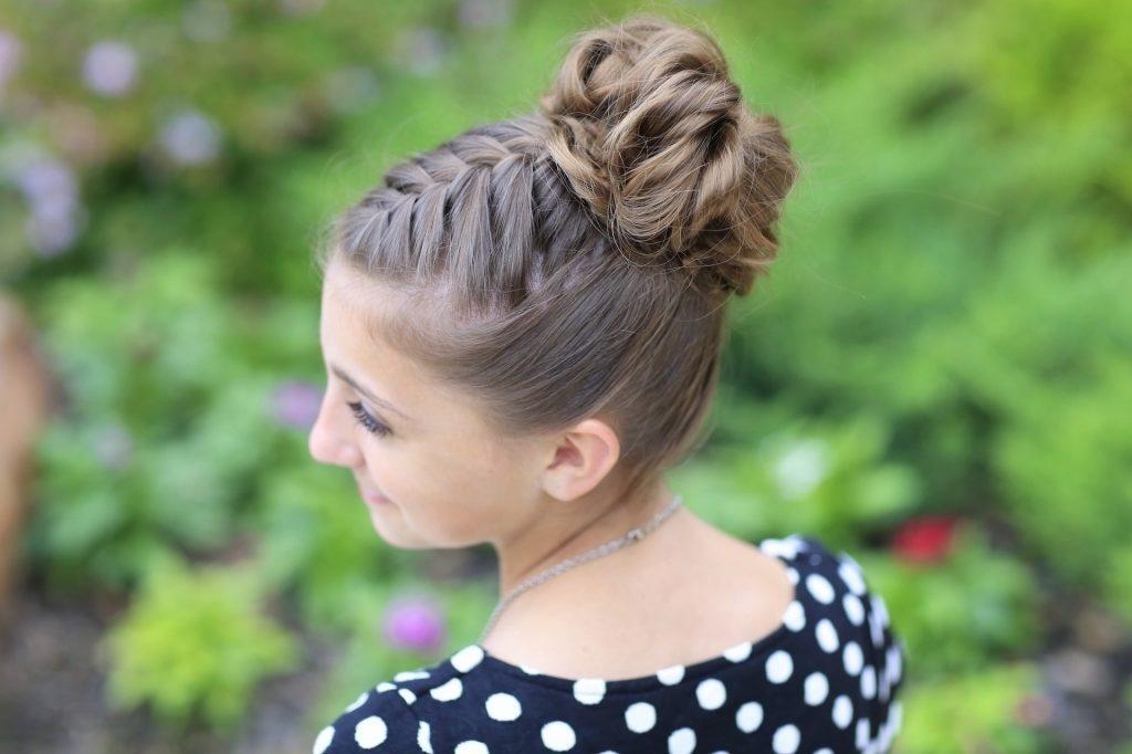 коса с обратной гулькой