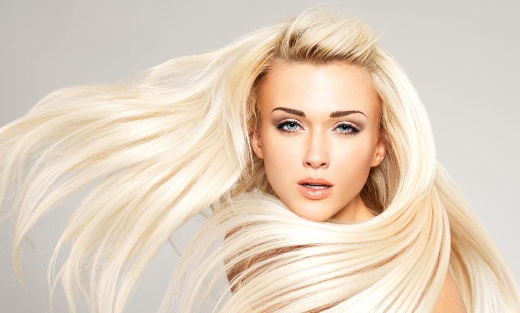 жемчужный блонд на волосах